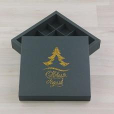 Коробка Нереида 16 зеленый мох с тиснением