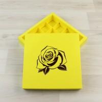 Коробка Оберон 16 желтый с рельефным тиснением